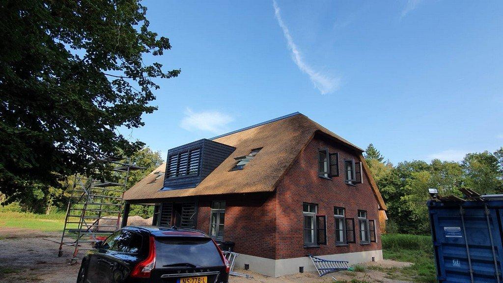 Maasbergen – aluminium dakafwerking